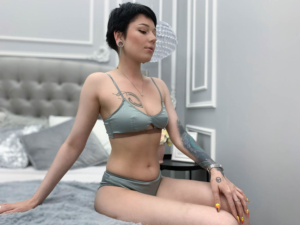 janisaber adult live sex and chat