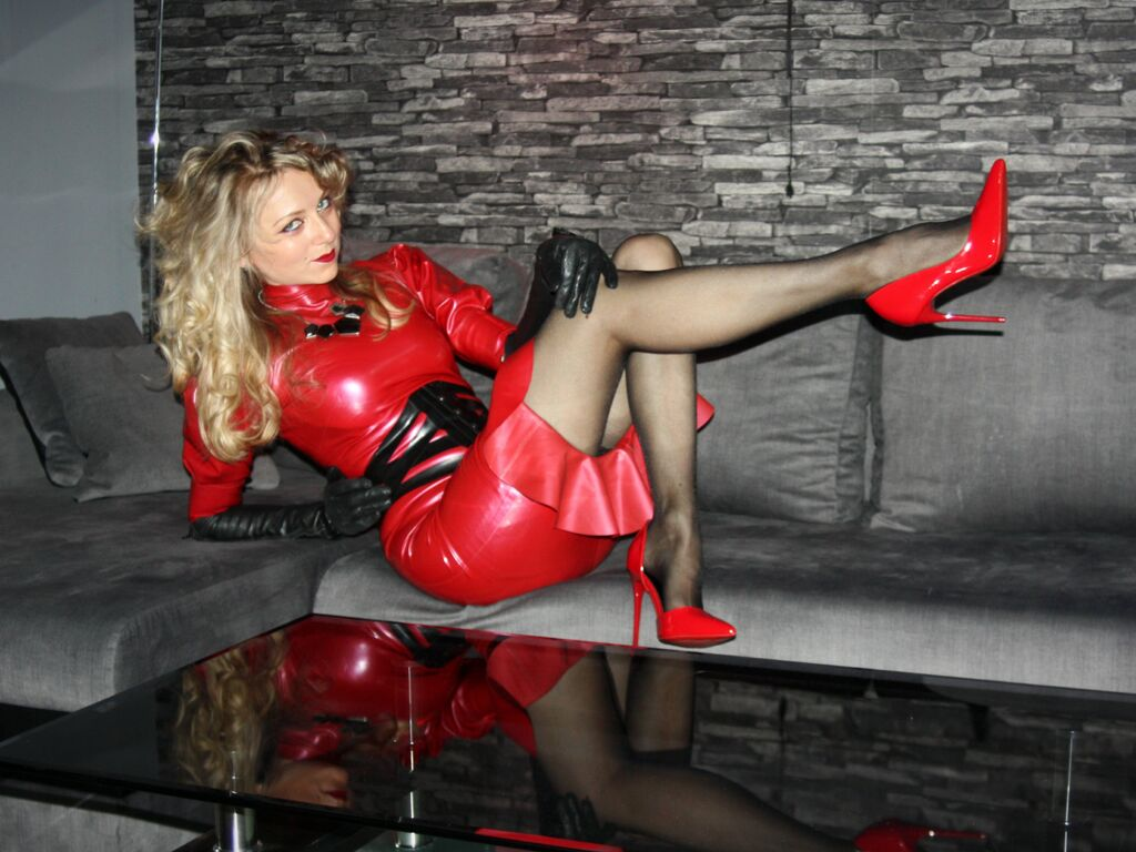 yourlatexgodess live official