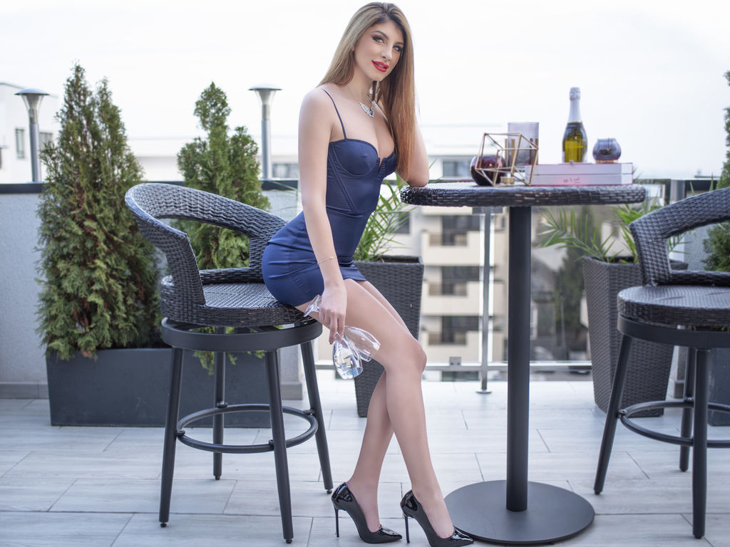 raffaellamartini chat direct live sex