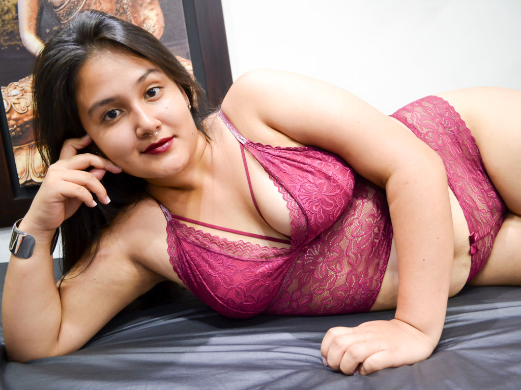 emilyhenders adult live sex and chat