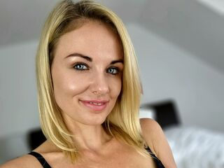 Webcam model BadGirlMelina from Web Night Cam