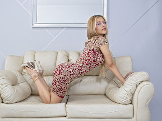 Webcam model AngieMadison from Web Night Cam