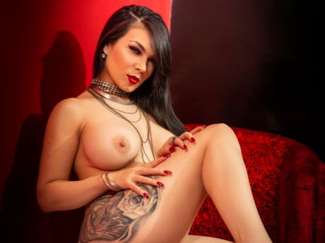Chat with GabrielaArom