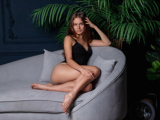 Webcam model JessicaBrauni from Web Night Cam