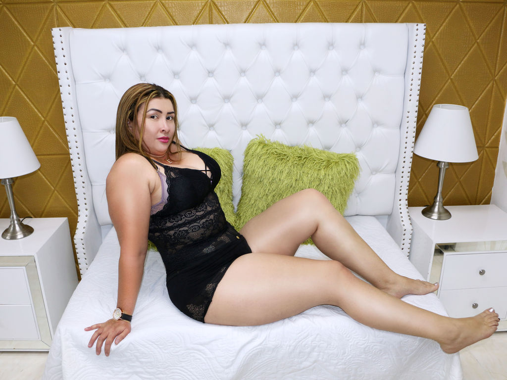 Webcam model GabbyCinette from Web Night Cam (LiveJasmin)