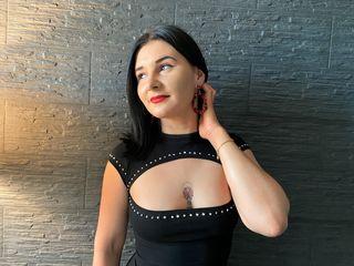 Sexy profile pic of LanaKatnis