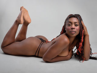Sexy pic of KendraHarriison