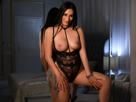 Chat with RileyHayden