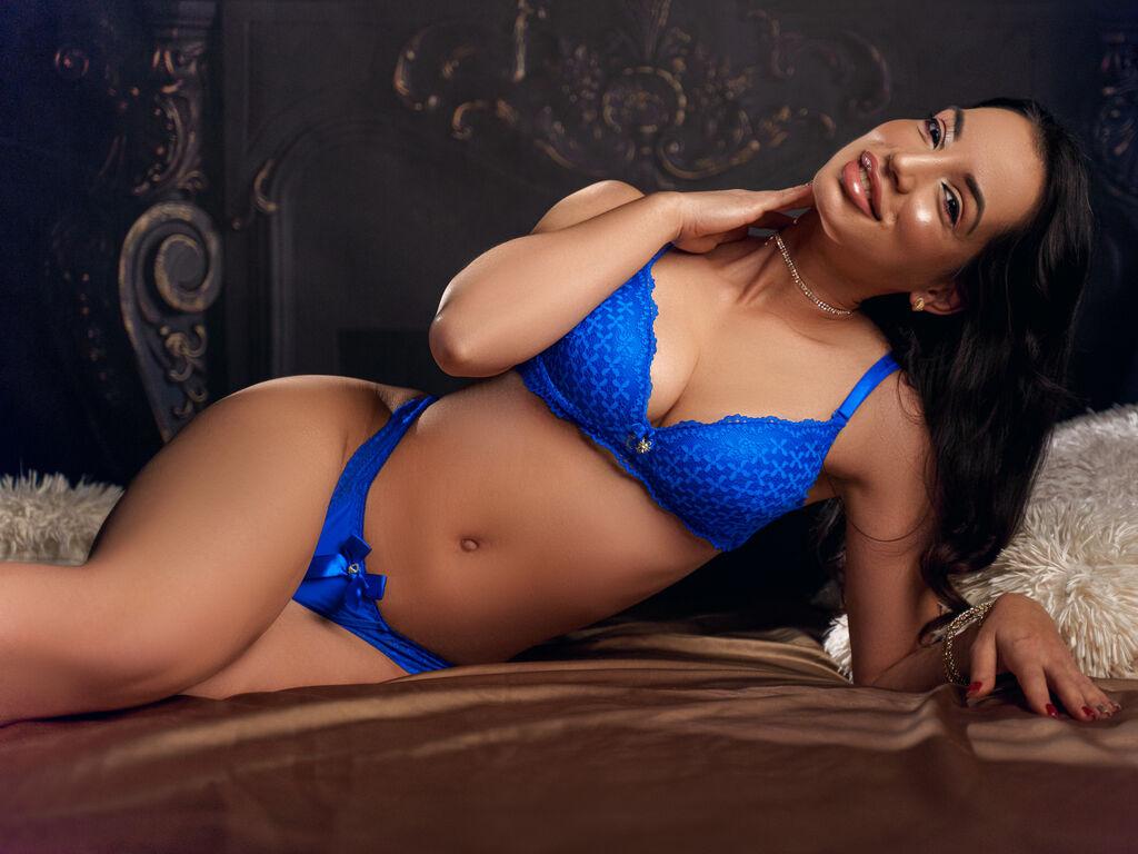 MicheleMontoyas Live Sex Room - XCamsClub