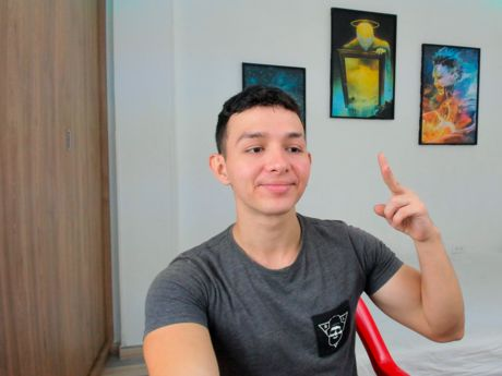 Chat with SantiagoRamos