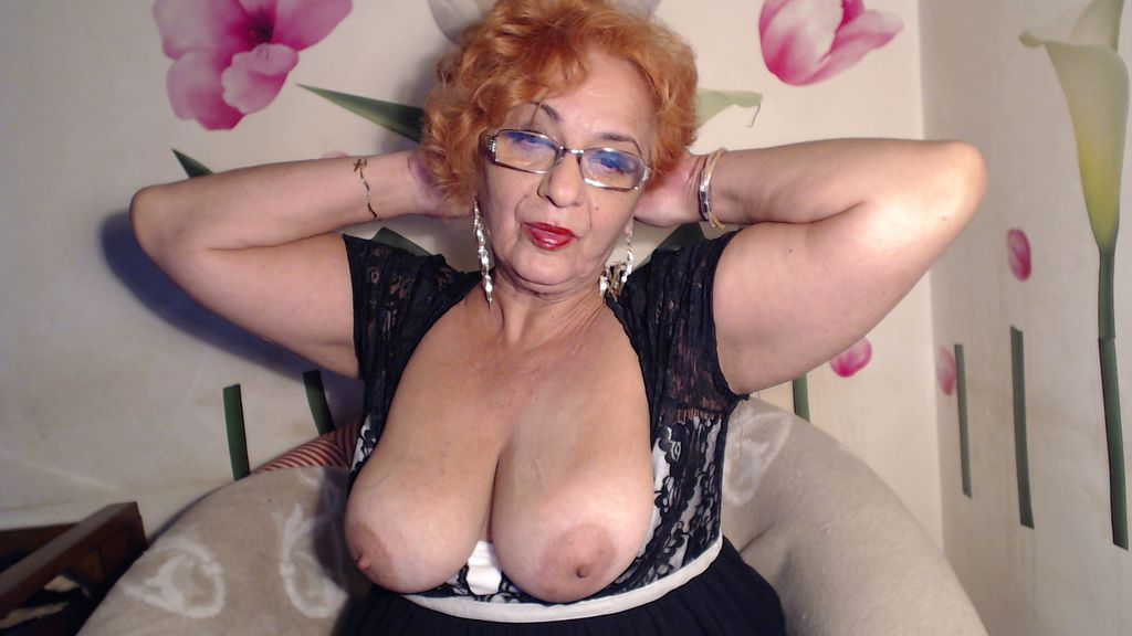 LadyPearle webcam show