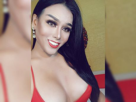 Chat with CassyFuentes