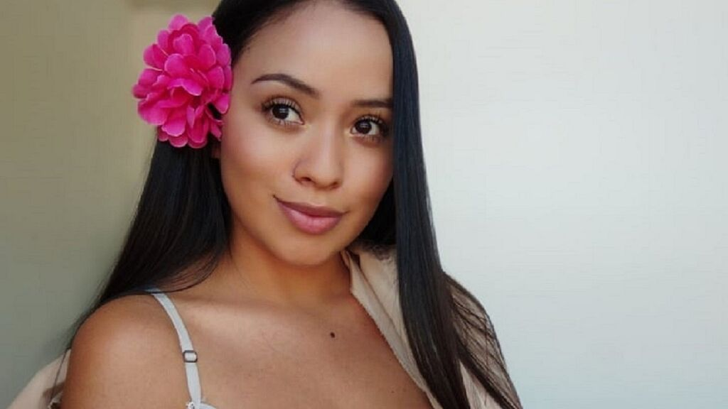 Watch the sexy KatieWomack from LiveJasmin at GirlsOfJasmin