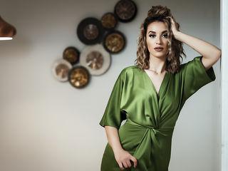 Sexy profile pic of AnnaCrawford