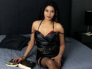 Webcam model Eimywine from Web Night Cam