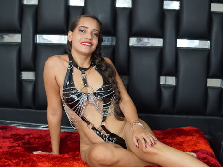 Chat with HelenArcia